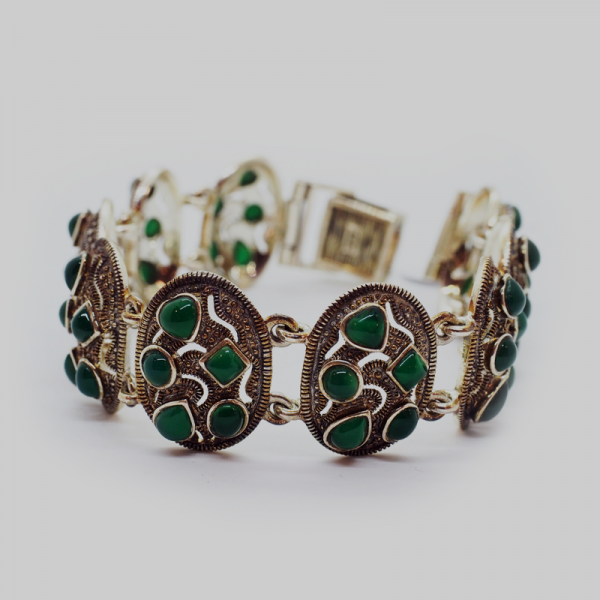 """""""Bright Future"""" Bracelet with Green Natural Stones"""